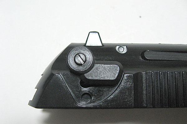 フルオートレバーの組み込み完了-9mmM9-ドルフィン-Dolphin-セミ-フル-セレクティブ-マシンピストル-マルシン-モデルガン組立キット