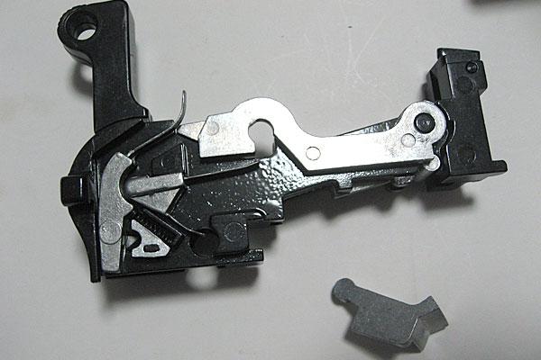 シアーディテントの組込み-モーゼル-MAUSER-C96-M712-組立キット-モデルガン-マルシン