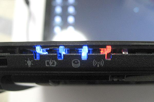 Gateway-ノートパソコン-NV56R-H54D/K-3本のフラットケーブルを接続しただけの状態で動作チェック