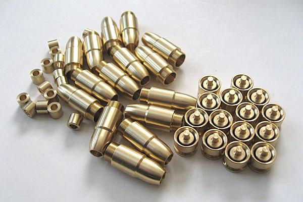 純正プラグを温存することでOリングの予備を保管-9mmM9-ドルフィン-Dolphin-セミ-フル-セレクティブ-マシンピストル-マルシン-モデルガン組立キット