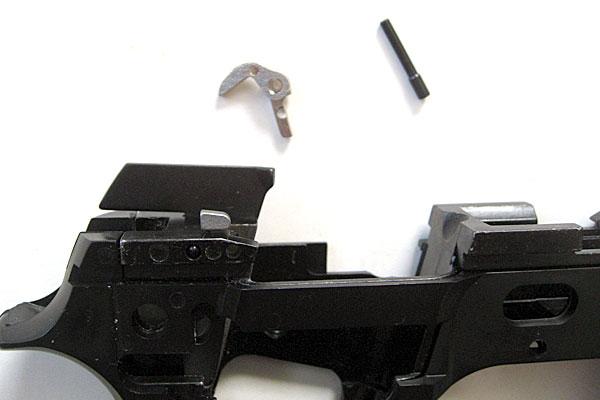 ハンマーリリースレバーの組み込み-9mmM9-ドルフィン-Dolphin-セミ-フル-セレクティブ-マシンピストル-マルシン-モデルガン組立キット