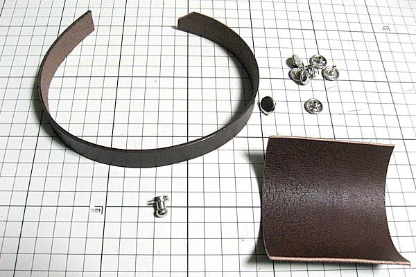 35-レザークラフト-ポシェット-ポーチ-本体に飾りベルトとベルトループを取り付ける