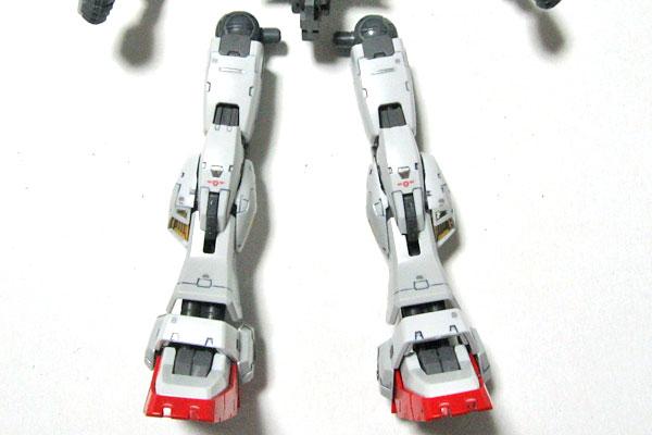 7-RG-ガンダムマーク2-脚部-墨入れとリアリスティックデカール