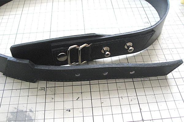 バックル部分と先端部分-ギボシ止めハードレザーベルト-レザークラフト