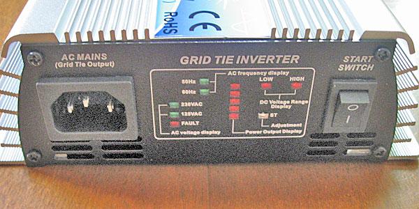 グリッド・タイ・インバーターの出力・インジケータ・電源スイッチ部分