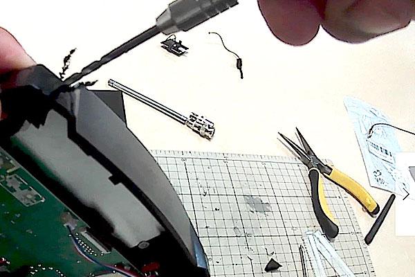 HUBSAN-H502S-H501S-送信機-プロポ-SMAコネクタの社外アンテナに交換-ピンバイスで本体に穴あけ