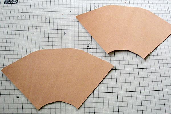14-レザークラフト-ロングウォレット-長財布-クラッチバッグ-ヌメ革で内部を製作-2つの仕切りを扇形のマチで連結
