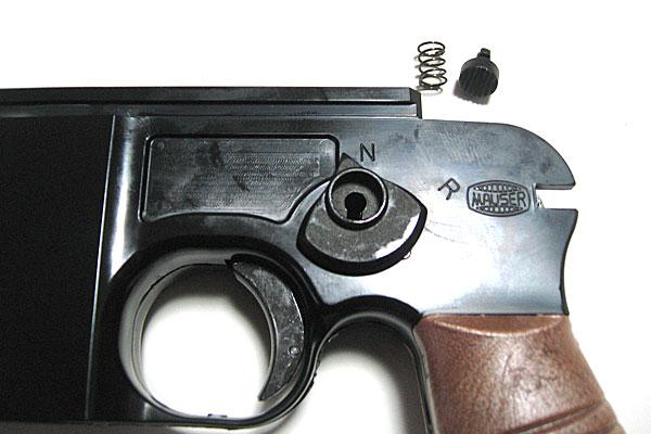 セレクターとリリーススタッドの組立て-モーゼル-MAUSER-C96-M712-組立キット-モデルガン-マルシン