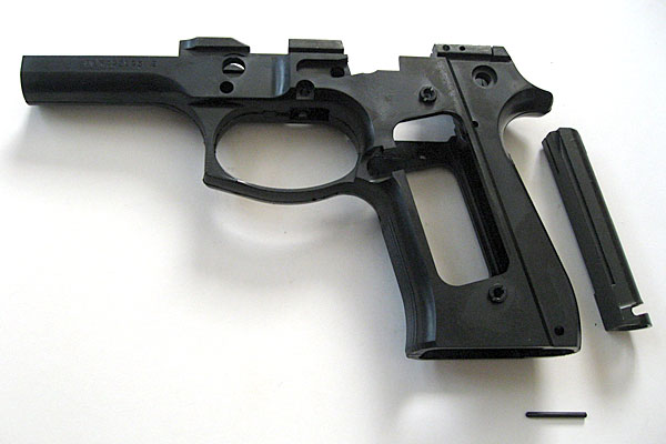 フレームスペーサーの組み込み-9mmM9-ドルフィン-Dolphin-セミ-フル-セレクティブ-マシンピストル-マルシン-モデルガン組立キット