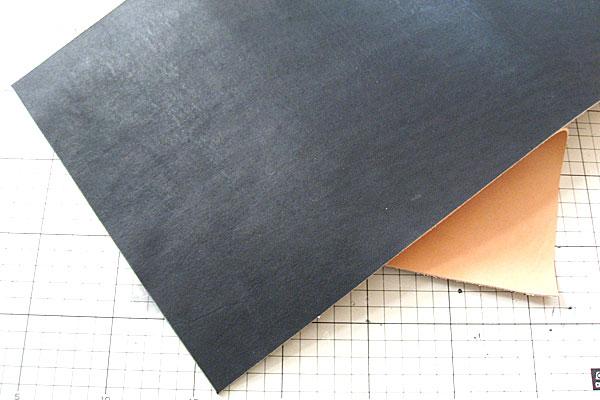 18-レザークラフト-ロングウォレット-長財布-クラッチバッグ-本体-ガワ-の製作-表面と裏地を同じ大きさに切り出す