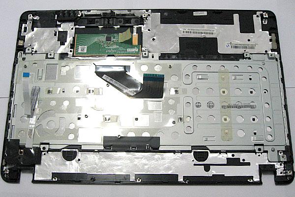 Gateway-ノートパソコン-NV56R-H54D/K-キーボードとパームレストとタッチパッドが一体となった本体天板部分