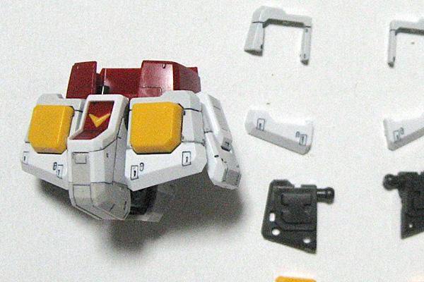 RG-RX-78-2-ガンダム-リアルグレード-腰部組み立て途中