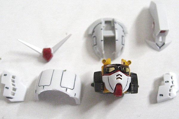 RG-RX-78-2-ガンダム-リアルグレード-頭部-組み立て