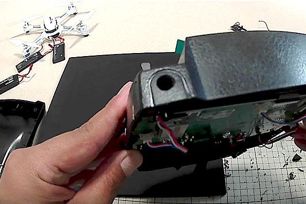 HUBSAN-H502S-H501S-送信機-プロポ-SMAコネクタの社外アンテナに交換-6mmの穴あけ完了