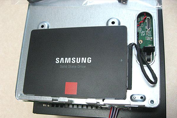 deskmini110-asrock-ベアボーンキット-intel-core-i3-7100-diy-pc-SSDの取り付け