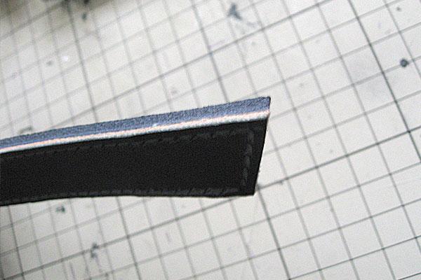シャープな先端-ギボシ止めハードレザーベルト-レザークラフト