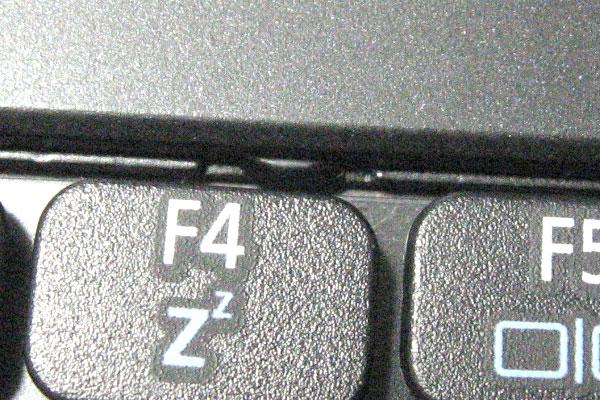 ACER-D255-分解-キーボードのツメ