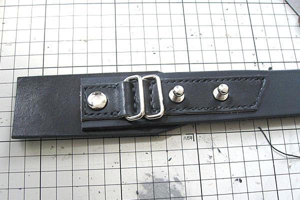 ネジ式ギボシと共締めと特大カシメで固定-ギボシ止めハードレザーベルト-レザークラフト