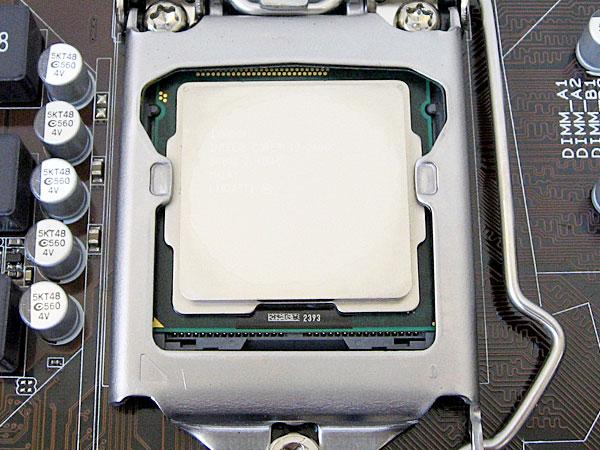 ソケットLGA1155にCPU2600kを取り付け