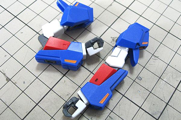 腕部-素組みとスミ入れツヤ消し済の比較-HGUC-ゼータガンダム-ZETA-GUNDAM-GUNPLA-EVOLUTION