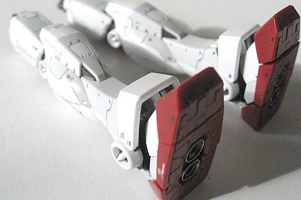 RG-RX-78-2-ガンダム-リアルグレード-脚部デカール有無