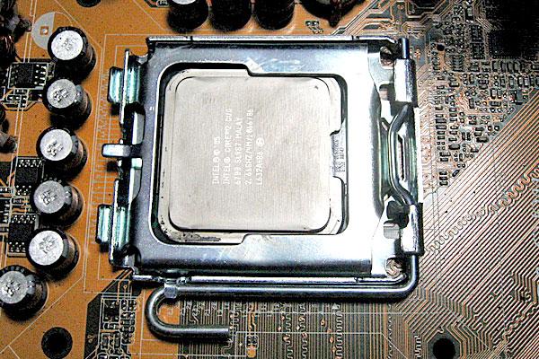 7-LGA775-CPUの取り外し