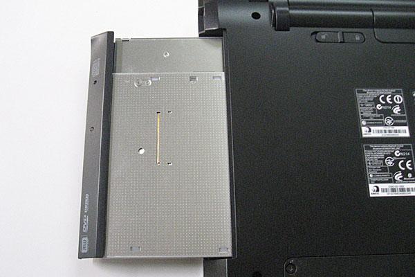 7-Gateway-ID59C-HD52D-分解作業-DVDドライブを引き出す