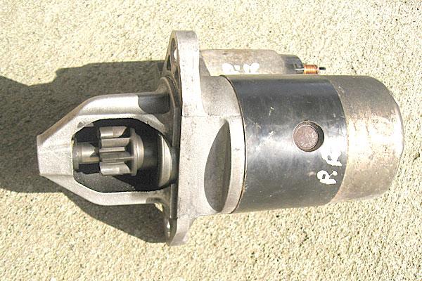 2-スバル-サンバーバン-ヤフオクで2000円で購入したセルモーター-23300-KA620-ピニオンギア側