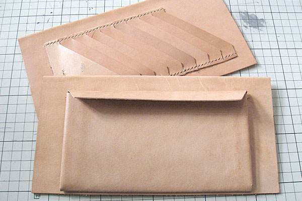 13-レザークラフト-ロングウォレット-長財布-クラッチバッグ-ヌメ革で内部を製作-仕切り2種類完成