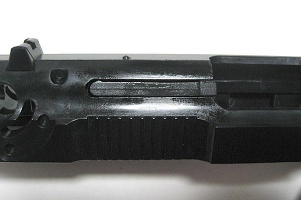 エキストラクターの組み込み完了-9mmM9-ドルフィン-Dolphin-セミ-フル-セレクティブ-マシンピストル-マルシン-モデルガン組立キット