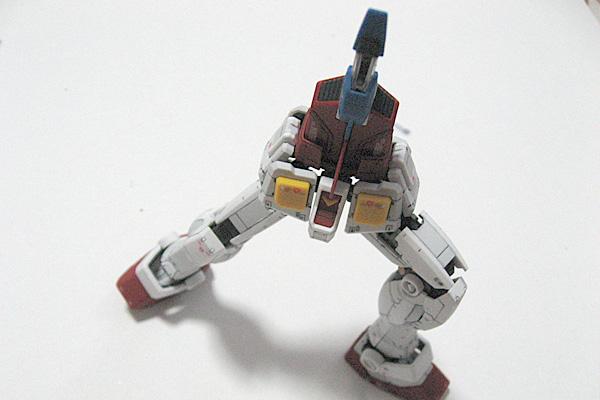 RG-RX-78-2-ガンダム-リアルグレード-全パーツ完成-お遊び