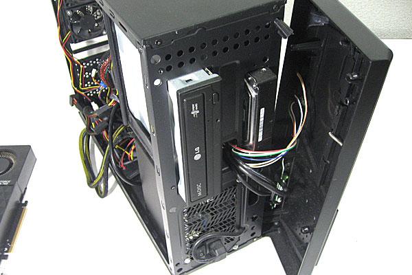 現在使用中のPCケース-株式会社サイズ-ATX対応スリム-RANA2-ラナ2-フロントパネル周り