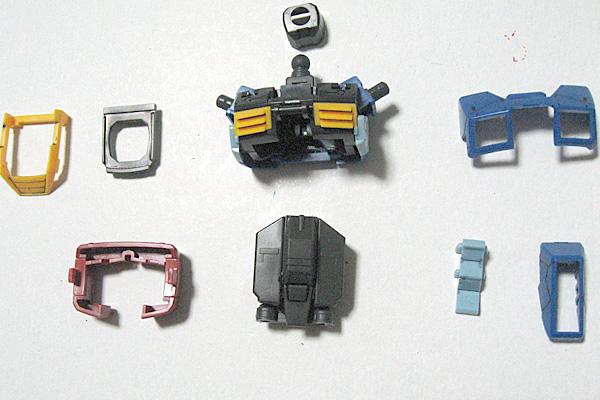 RG-RX-78-2-ガンダム-リアルグレード-胸部-組み立て